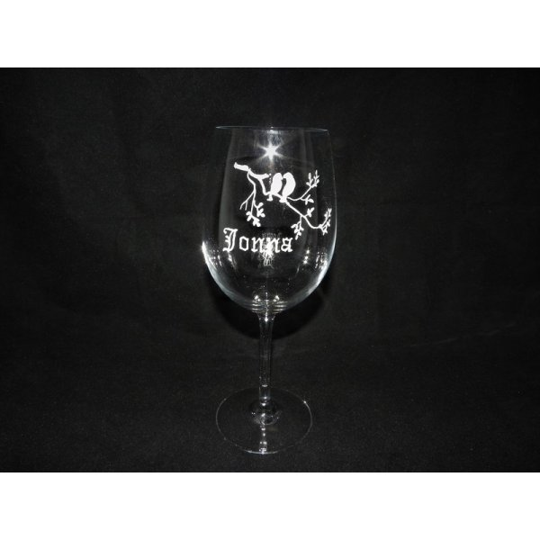Crystal vinglas med navn og blomsterbort