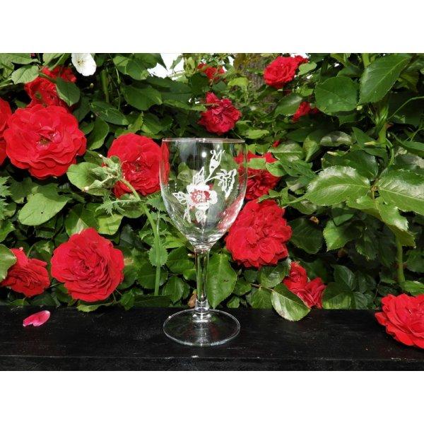 Rødvinsglas med rose motiv